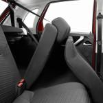 Склдывание задних кресел в хэтчбеке Datsun